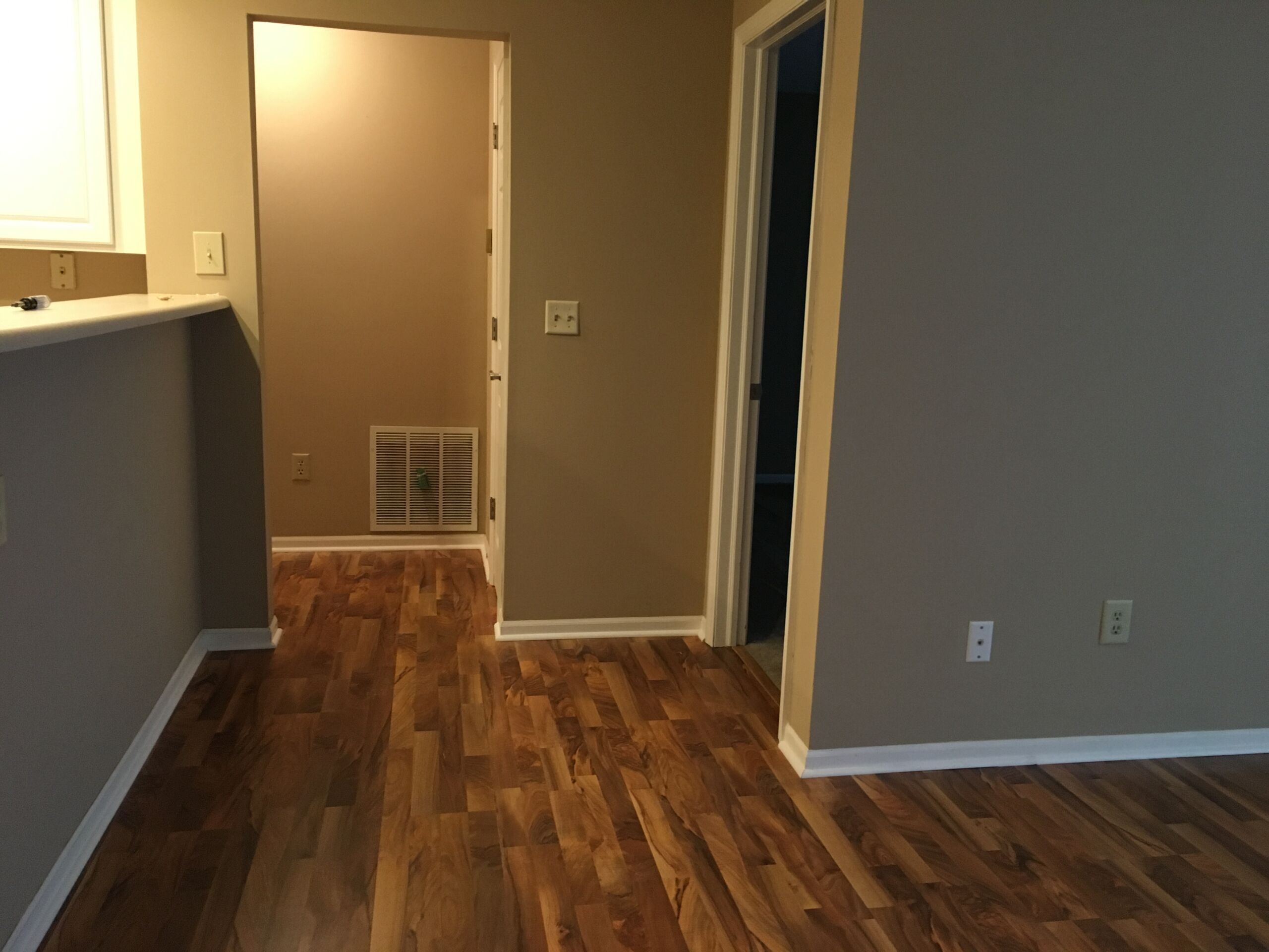 Beautiful, 1 BR Apartment, close to Worthington