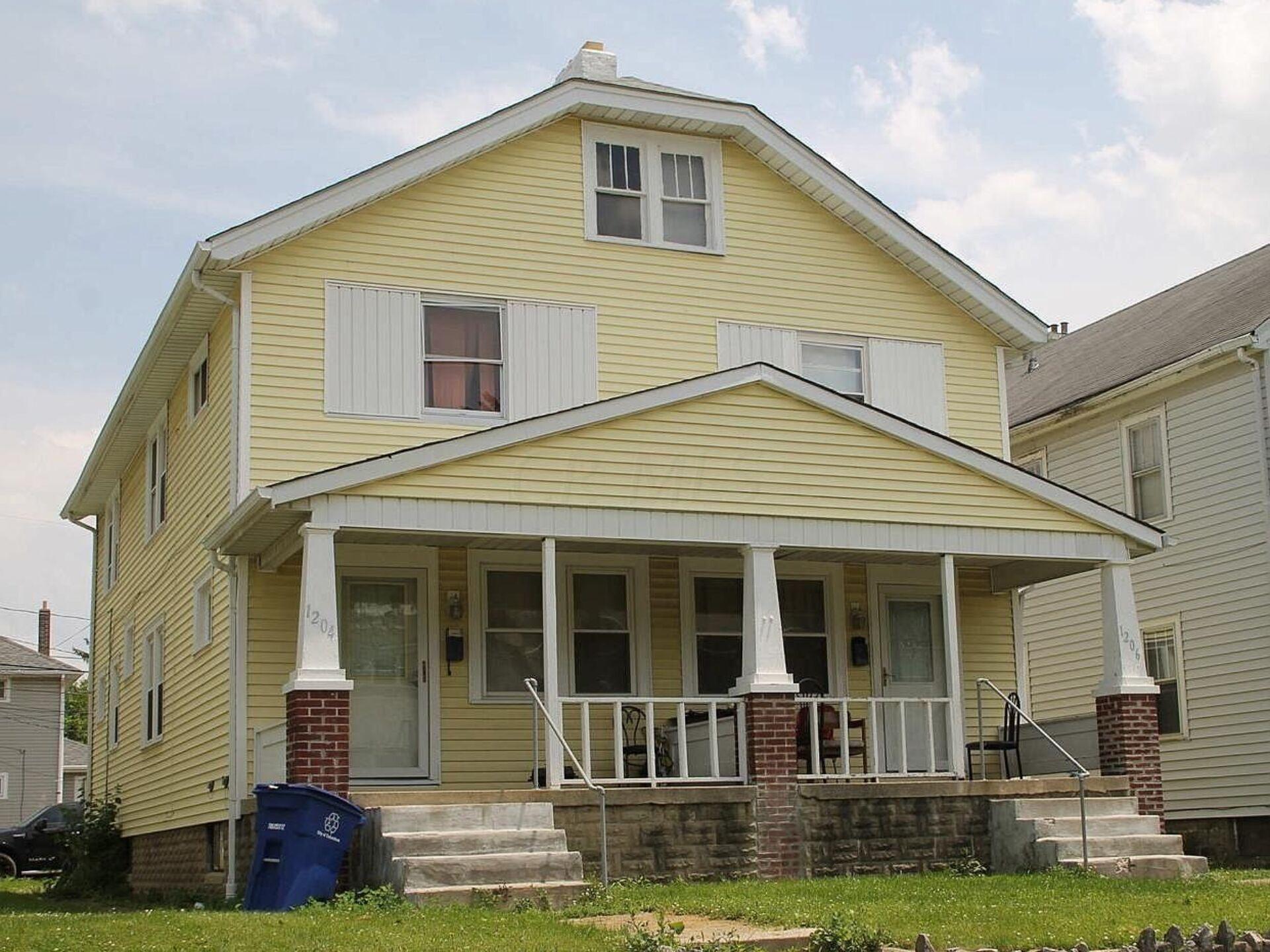1204 Oakwood Ave.
