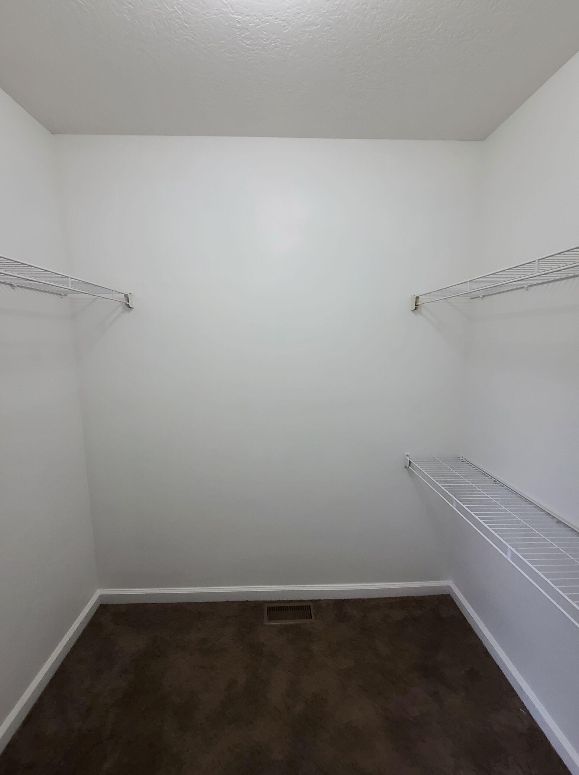 Spacious 3 Bedroom in Pataskala, 445 Oak Meadow Dr.