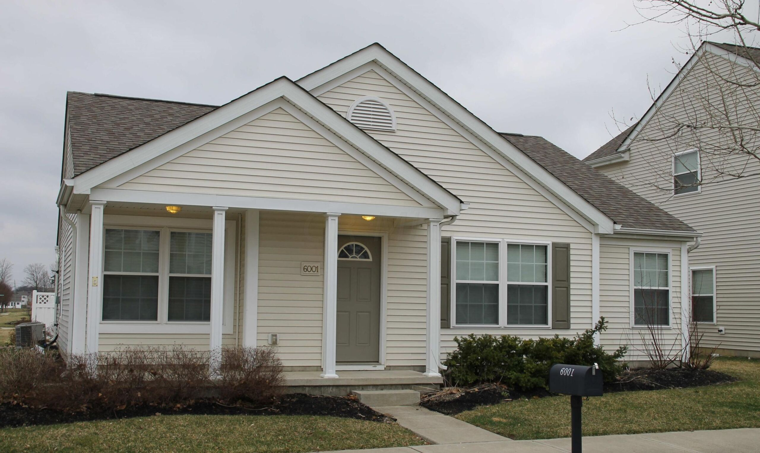 1 Story Home Updated in HOA